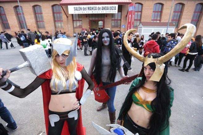 Tres de las participantes en el Salón del Manga de Granada.