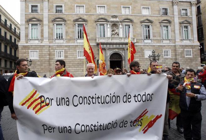 Concentración de Libres e Iguales en la Plaza Sant Jaume de...