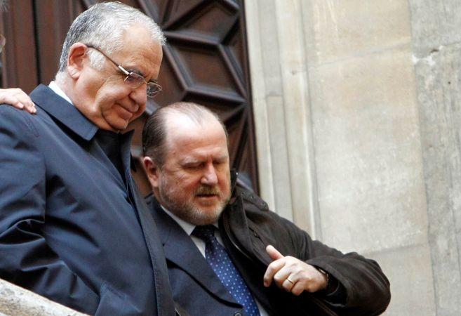 Cotino, junto al nuevo presidente de las Cortes, Alejandro Font de...