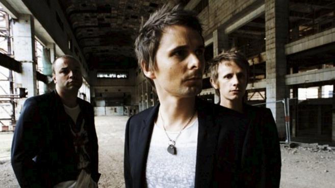 Los integrantes de Muse,Matthew Bellamy, Christopher Wolstenholme y...
