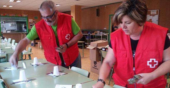 Voluntarios de Cruz Roja en una de las colaboraciones.