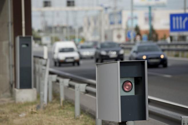 Un radar de control de velocidad en la A-2 en sentido Madrid a la...