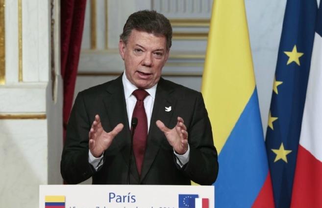 Juan Manuel Santos durante una rueda de prensa en París el pasado 7...
