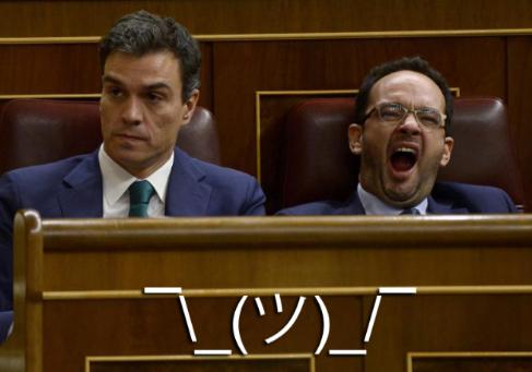 Pedro Sánchez y Antonio Hernando. Y un shrug.