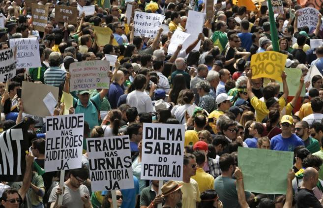 Manifestación celebrada el sábado en Sao Paulo en contra de Dilma...