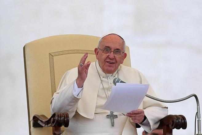 El Papa Francisco, durante la última audiencia general de los...