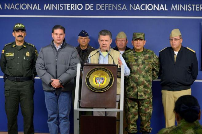 El Presidente de Colombia habla durante una conferencia en Bogotá...