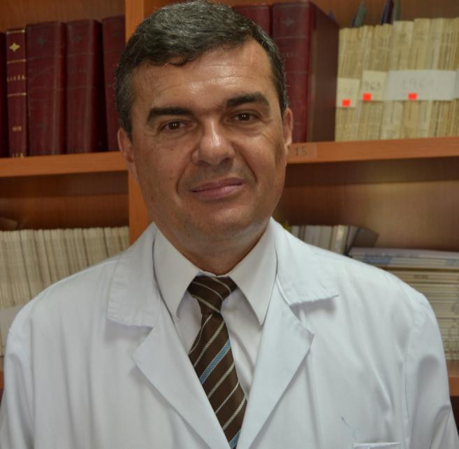 Ferrer es profesor de Medicina de la CEU-UCH y director del Instituto...