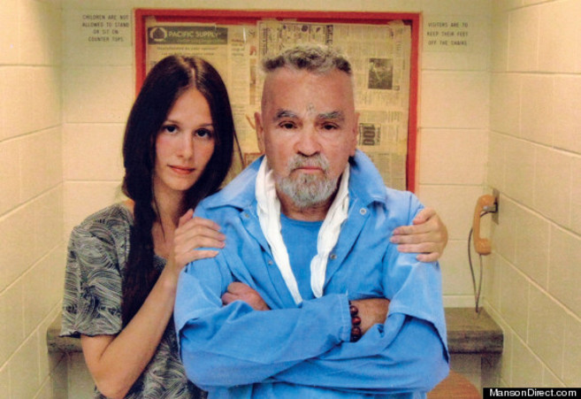 Afton Elaine Burton y Charles Manson.