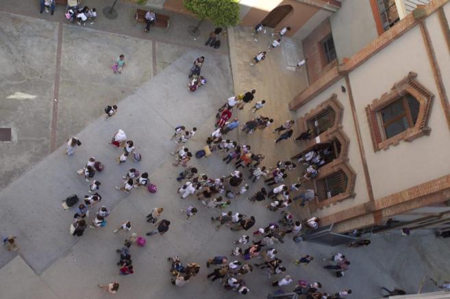 Patio interior de la escuela Mare de Déu del Roser, en Barcelona.