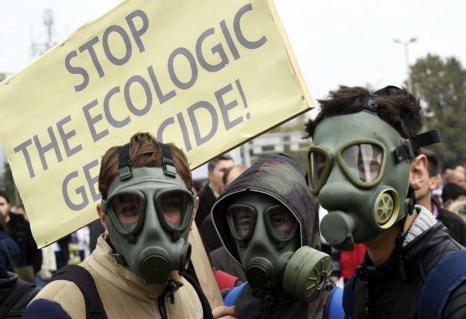 Manifestación contra la polución en Tetovo, Macedoniam, en noviembre...