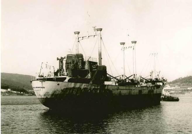 El buque español Sierra Aránzazu después del ataque