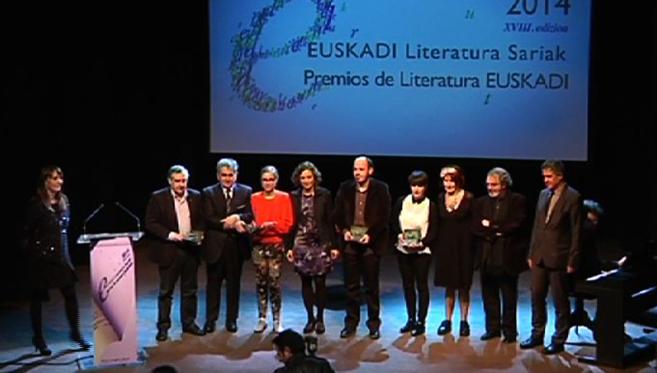 Cristina Uriarte, Bernardo Atxaga, Idoia Estornés y Jon Juaristi,...