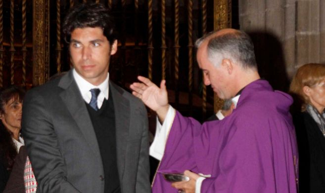 Cayetano Rivera, en la Catedral de Sevilla, en el funeral de la...