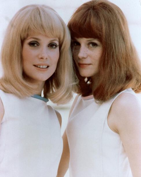 Françoise Dorléac, con su hermana Catherine Deneuve.