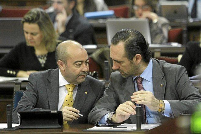 El president Bauzá junto al vicepresidente Gómez, de cuya área...
