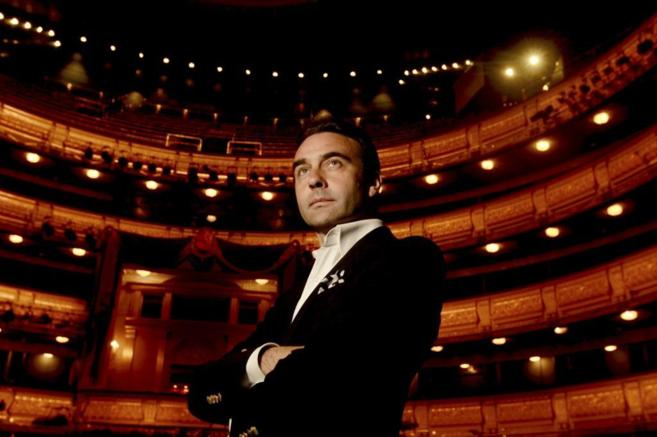 Enrique Ponce en el escenario del Teatro Real de Madrid