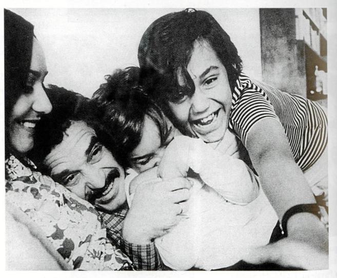 Gabriel García Marquez con su familia.
