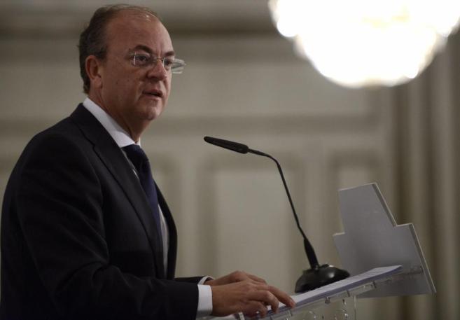 José Antonio Monago el pasado día 17 durante un encuentro...
