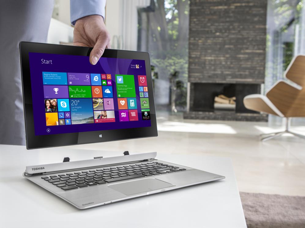 <STRONG>MEJOR HÍBRIDO / FUERA TECLADO.  </STRONG> Es fácil confundir el Toshiba Satellite PW30 con un ordenador portátil convencional. Uno que además es muy delgado, de apenas 20 milímetros de grosor. Pero basta un ligero movimiento para separar su pantalla de 13,3 pulgadas de resolución Full HD y transformarlo en una tableta que funciona con Windows 8.1 de sólo 11 milímetros de profundidad. El teclado, en cualquier caso, no sólo ofrece mayor comodidad a la hora de escribir largos textos. Es también un multiplicador de puertos que añade conexiones USB y salida HDMI al conjunto. www.toshiba.es