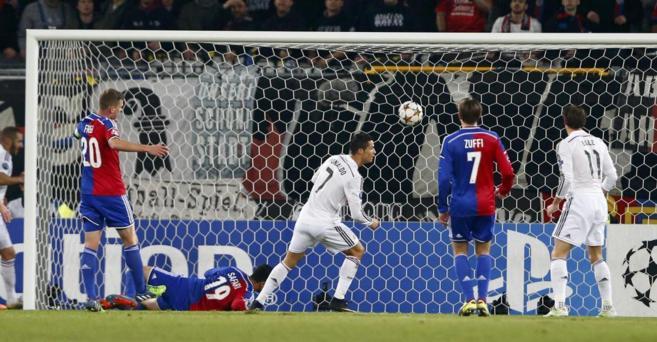Cristiano Ronaldo marca el único gol del partido en Basilea.