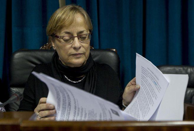 La alcaldesa de Leioa, Carmen Urbieta (PNV), ayer en el pleno...