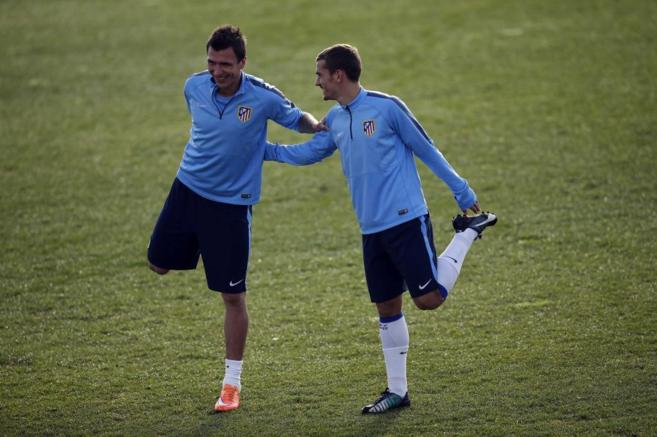 Mandzukic y Griezmann, durante un entrenamiento.