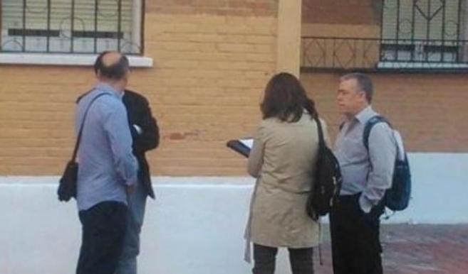 Montoya, con mochila, el 31 de octubre, en el primer intento de...