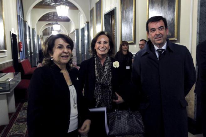 Pilar Sepulveda, Merecè Pigem y Vicente Guillarte en la comisión de...