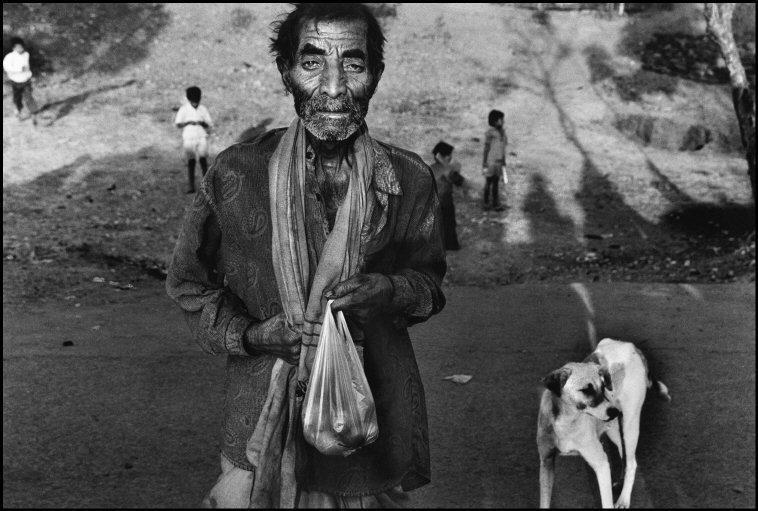Nanko, de 76 años en el momento de tomar la fotografía (2001), pasó...