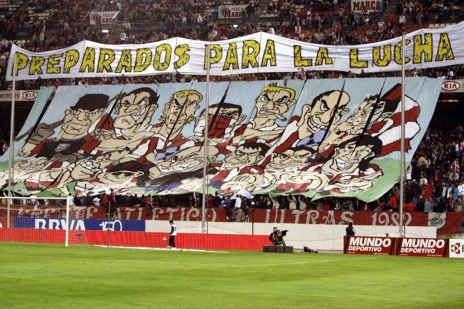 El Frente Atlético durante un partido en el Vicente Calderón.