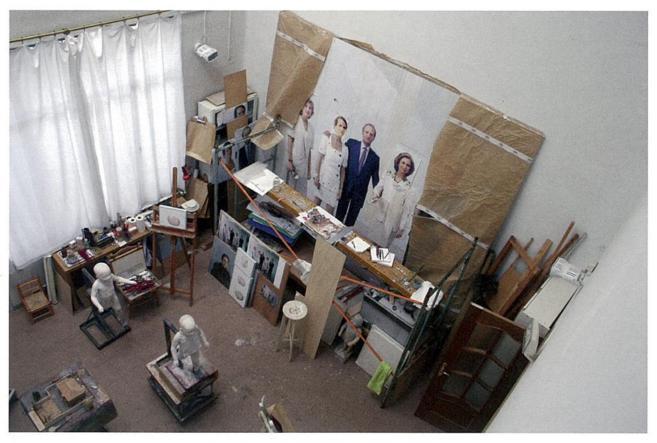 El retrato de la familia real en el estudio de Antonio López