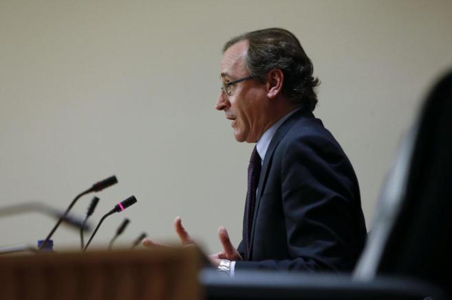El hasta ahora portavoz parlamentario del PP, Alfonso Alonso, durante...