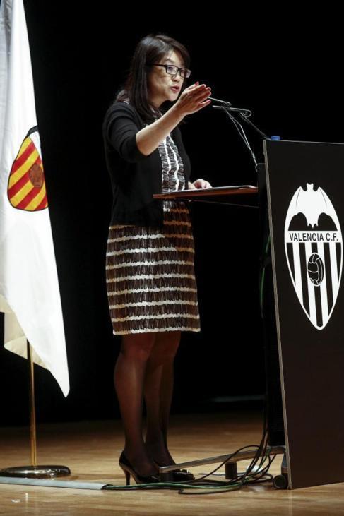 Lay Hoon, durante la Junta General Extraordinaria del Valencia CF.
