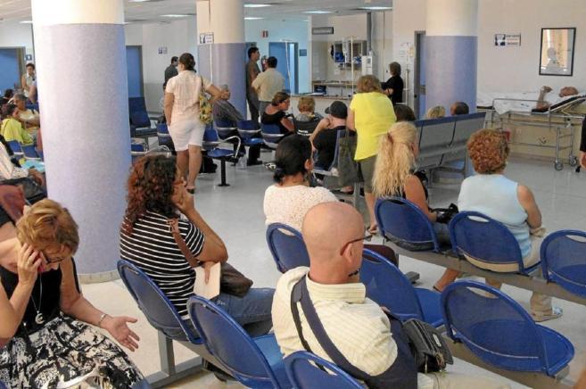 Pacientes en una sala de espera de Urgencias hospitalarias.