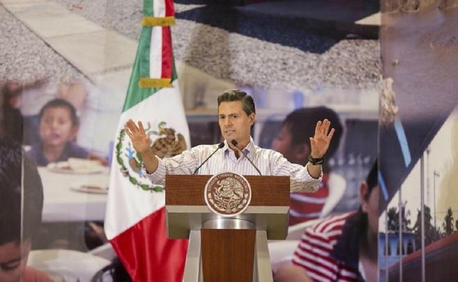 El presidente mexicano; Enrique Peña Nieto, durante su visita a...