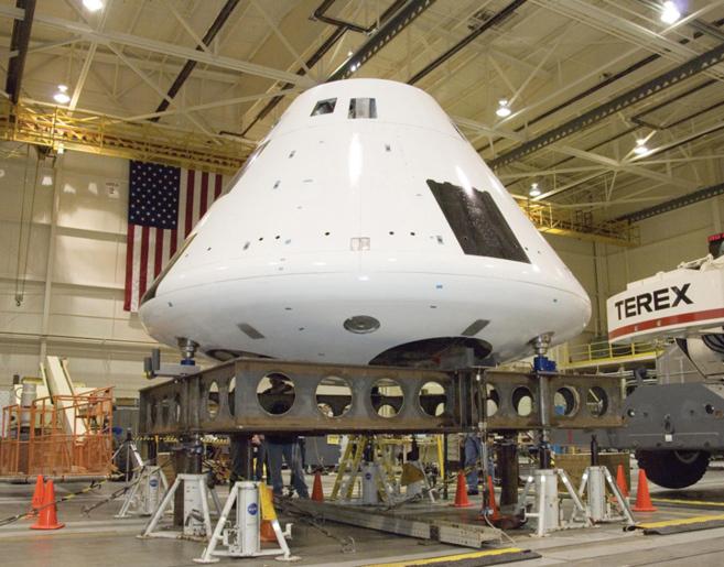 La cápsula Orion antes de ser colocada en el cohete Delta IV.