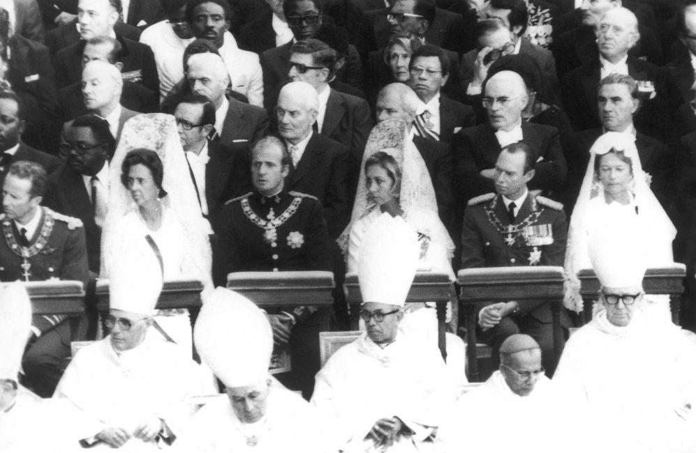 Balduino y Fabiola de Bélgica, junto a los reyes Juan Carlos y Sofía...