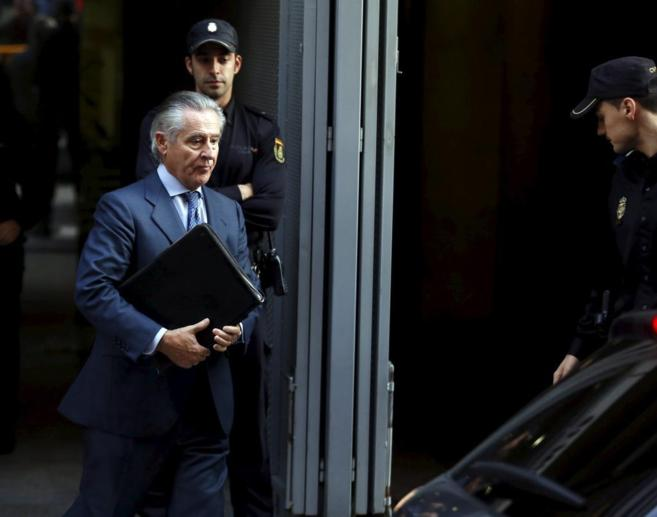 Miguel Blesa sale de la Audiencia Nacional tras declarar por el caso...