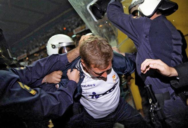 1997.  José Luis Ochaíta, líder del grupo extremista Ultras Sur,...