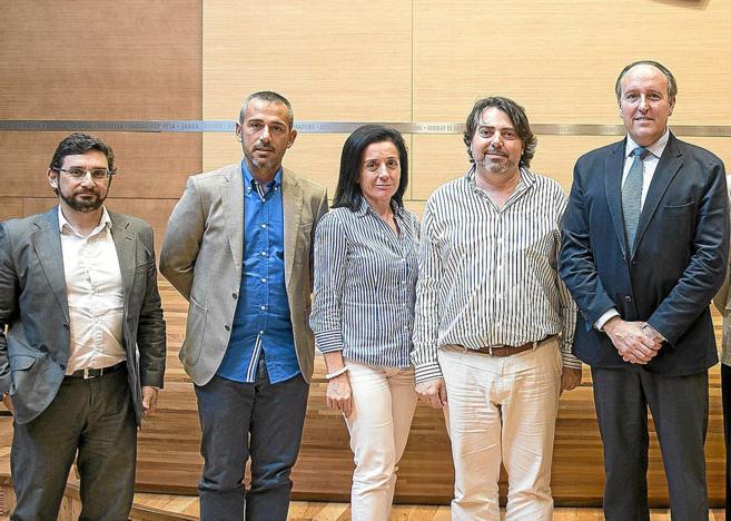 El sobrino del alcalde de Gandía, segundo por la izquierda, el día...