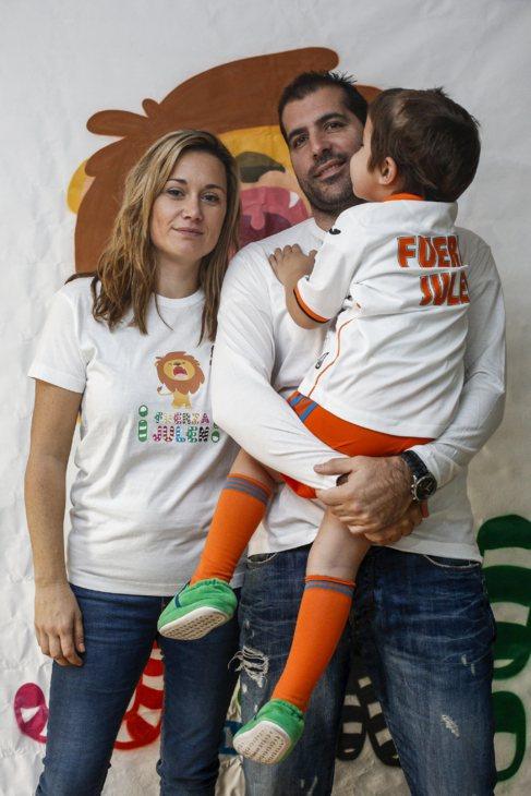 El pequeño Julen junto a sus padres.