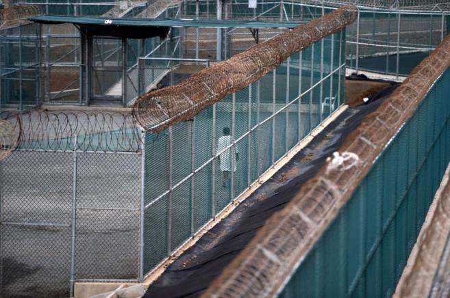 Un preso en la cárcel estadounidense de Guantánamo (Cuba).