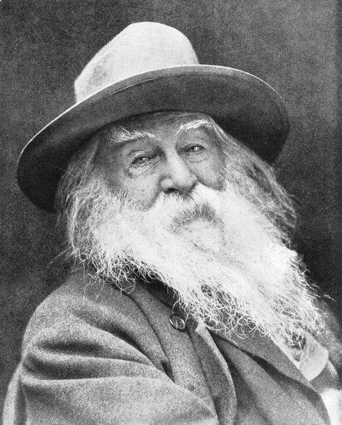 El poeta y periodista Walt Whitman.