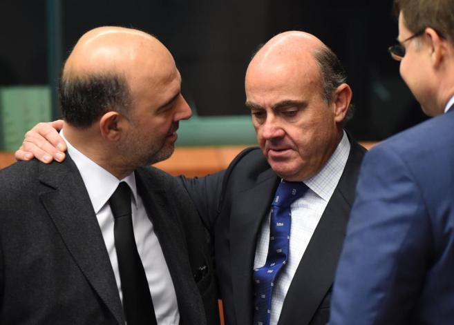El ministro de Economía, Luis de Guindos, durante la reunión del...