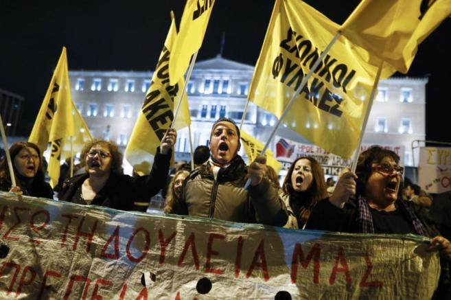 Protestas ante el parlamento de Grecia