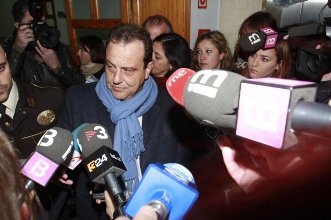 El fiscal Anticorrupción Pedro Horrach tras entregar su escrito en...