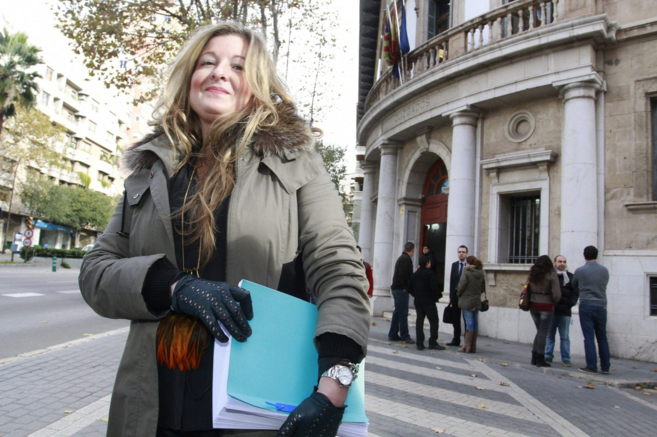La abogada del sindicato Manos Limpias, Virginia López, a su salida...