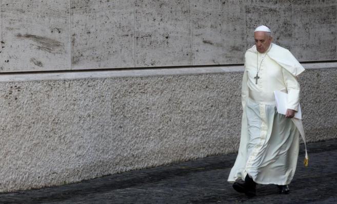 El Papa Francisco se dirige al Sínodo extraordinario sobre la...