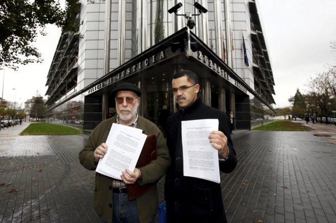 SOS racismo presenta en el Juzgado de Vitoria la demanda contra Javier...